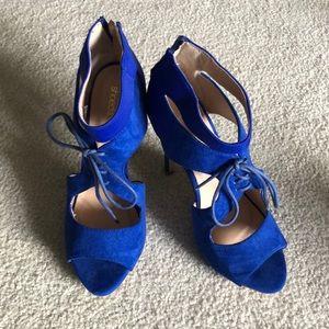 Shoe dazzle blue suede heels
